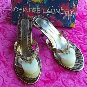 CHINESE LAUNDRY KALI GOLD SIZE 10 SANDALS